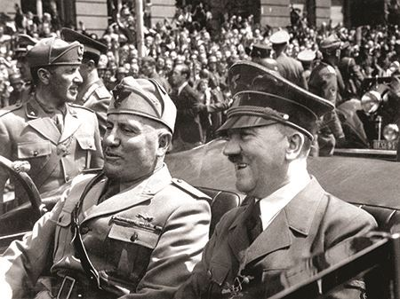 Benito Mussolini with Adolf Hitler in 1940